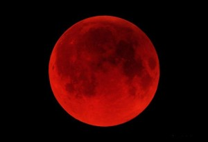 RedMoon-300x205